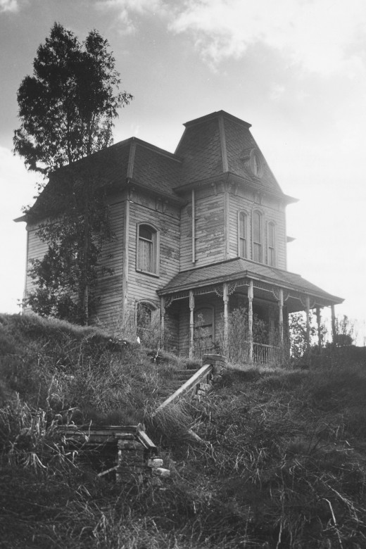 "Norman Bates had a mother complex that played out in a deadly way in ""Psycho"" (1960)."