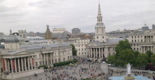 Trafalgar Square with the National Gallery on the left and St Martin-in-the-Fields on the right