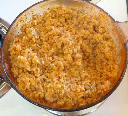 Cooked rice and lentils