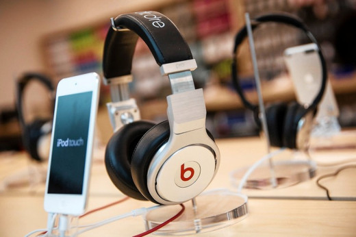 Ipad touch with Dr.Dre' s earphone for streaming
