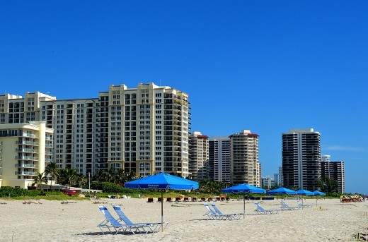 Singer Island's beach is high quality and low noise.