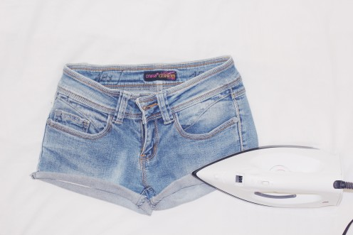 Iron the folds of the shorts to make it more intact. I recommend you to fold it in a diagonal shape, for a better look.