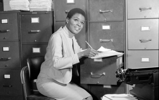 Actress Cicely Tyson was not just the first American actress to appear as a regular in a dramatic, but natual hairstyle on the 1963 television show East Side West Side gained a lot of attention as well.