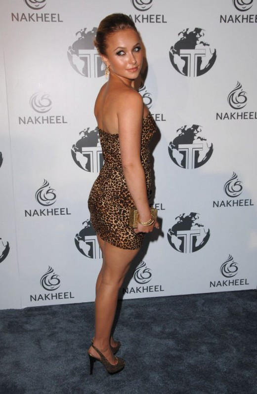 Hayden Panettiere in a tight  dress and high heels at a recent award show
