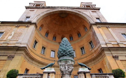 Outside the Vatican, a tribute to the sacred Pineal Gland