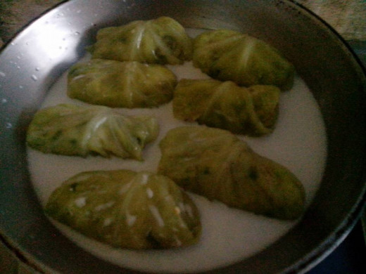 Boiling the cabbage rolls. Photo Source: Ireno Alcala