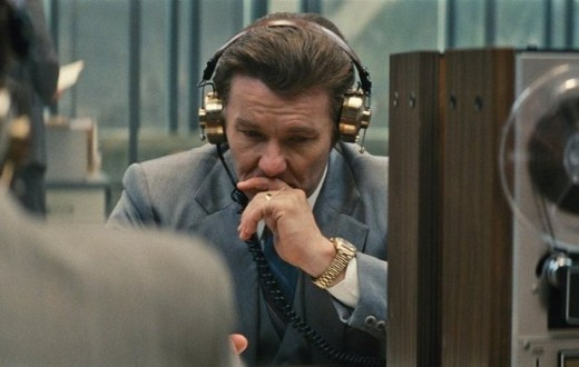 Joel Edgerton as FBI profiler John Connolly gathering intel.