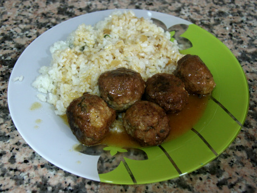 Meatballs can be served as a main dish with rice, vegetables and a delicious in intriguing sauce