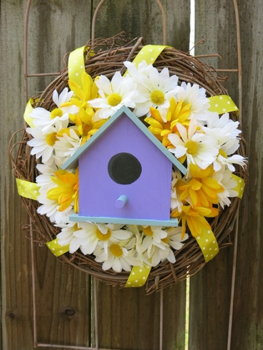 Garden-Inspired Wreath with Birdhouse and Flowers