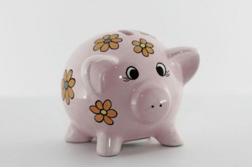 Are you looking for a gift for a baby, a young child, parents of newborns or others, a piggy bank could be the ideal choice!