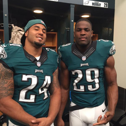 Who runs the football for the Eagles in Washington, Ryan Matthews (L) or DeMarco Murray (R)?