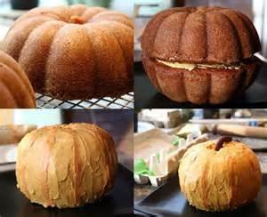 Making a jack-o-lantern cake