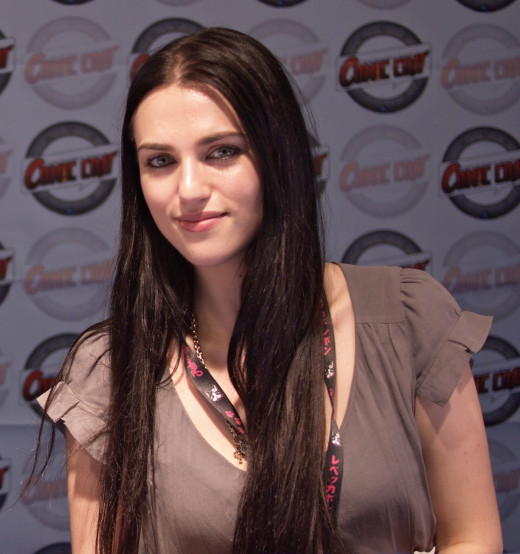Katie Mcgrath as Isabel