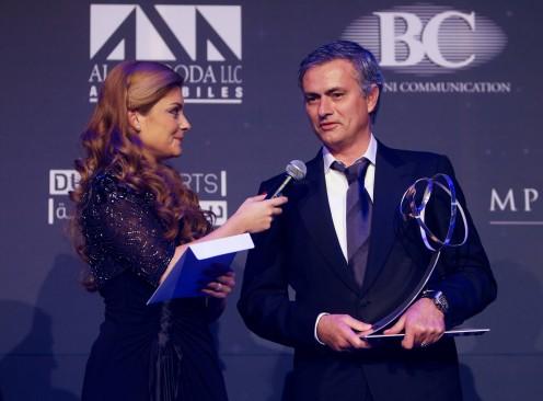 Jose Mourinho receiving the GlobeSoccer Awards 2012
