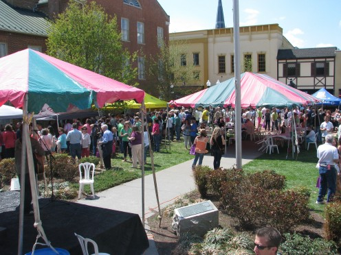 The Winchester Apple Blossom Festival attracts 250,000 visitors every year.