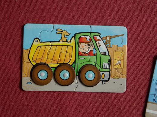 Children's Jigsaw Puzzle ofa truck