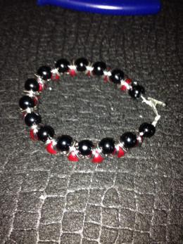 Completed team color bracelet