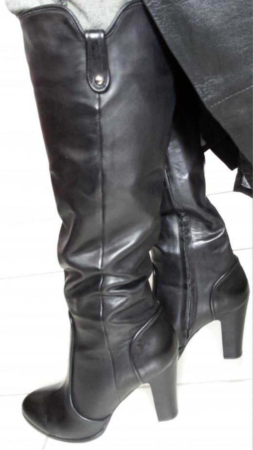 Every woman must have a pair of this style of boot in their winter wardrobe