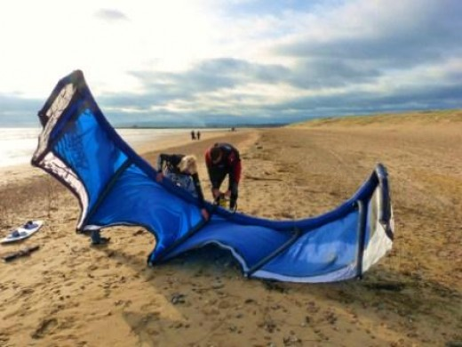 Kitesurfing kite set-up