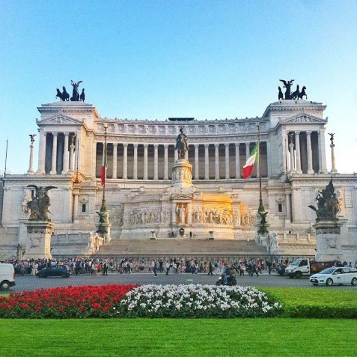 Places to visit in Rome; Piazza Venezia and the Vittoriano