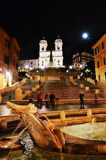 Places to visit in Rome; Piazza di Spagna
