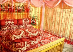 Romantic Decorating For The Bedroom