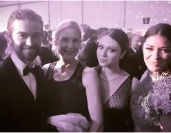 Chace Crawford, Kelly Rutherford, Michelle Trachtenberg and Jessica Szohr at an Oscar party in 2015.