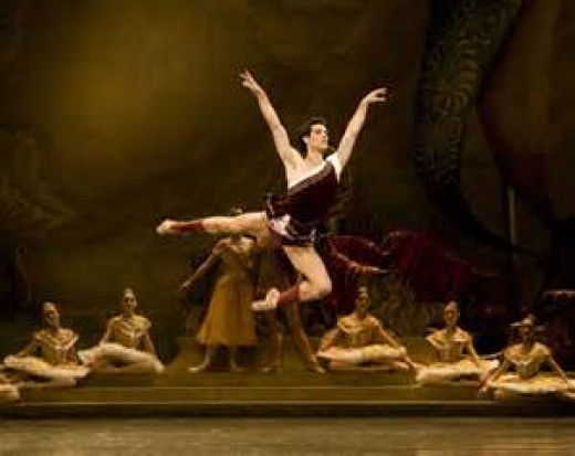 In top three of my favorite ballets. The choreography and dancing is outstanding. Bravo Sir Fred