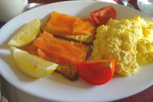 Perfect scrambled eggs is a delight as a main dish, a snack or as a side serve for any meal. | Source: Benreis [CC BY 3.0], https://commons.wikimedia.org/wiki/File%3AIrish_Breakfast_Salmon_Scrambled_Eggs.JPG