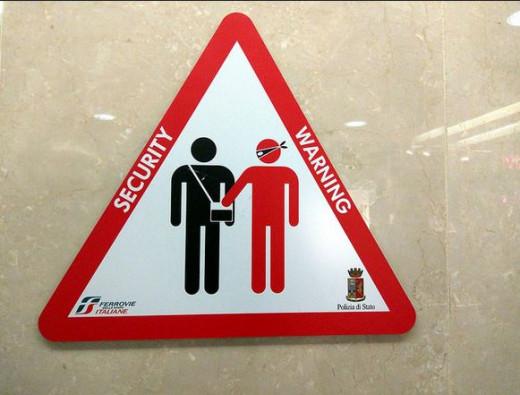 Travelers Beware of Pickpocketers
