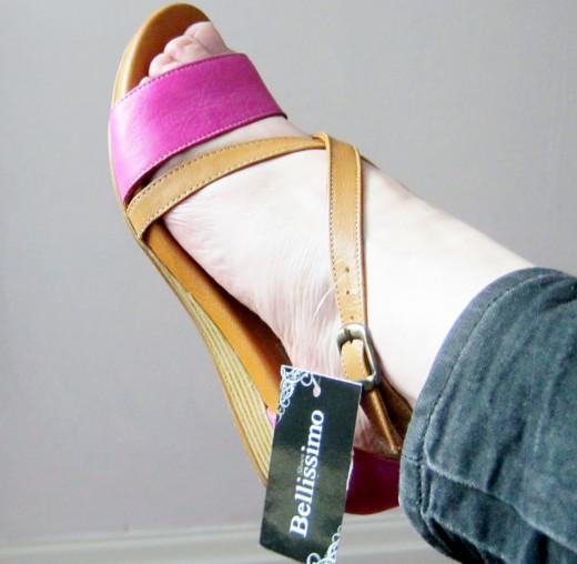 Elegant, comfortable flat sandals