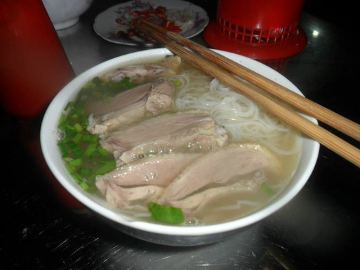 Banh Da Ngan (Rice Noodle with Duck-Flesh Slices)