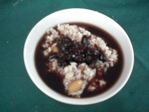 Che xoi (Sticky rice with sweet soup)