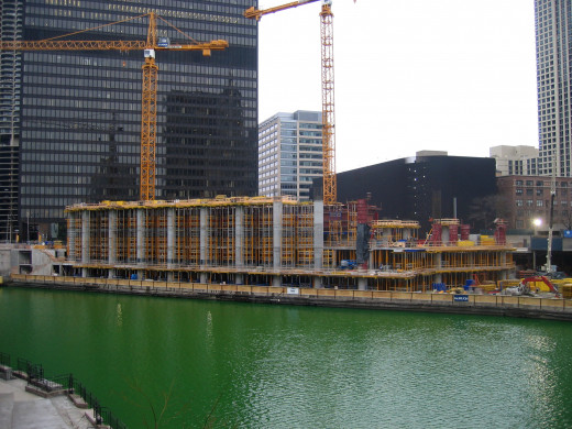 The Trump International Hotel and Tower under construction in Chicago, IL. By User:JeremyA (Own work) [CC BY-SA 2.5 (http://creativecommons.org/licenses/by-sa/2.5)], via Wikimedia Commons,  © Jeremy Atherton, 2006
