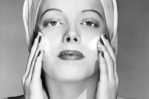 Not all face creams are in vain. Many anti-wrinkle serums on the market today are quite effective