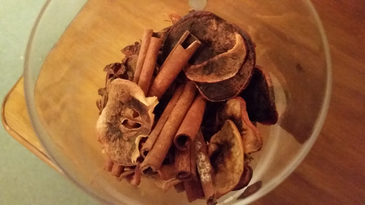 Homemade Potpourri is very easy to make - you can even use wood shavings if you're low on materials.
