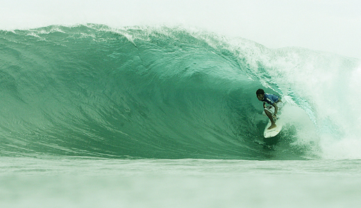 The famous cloud-9 waves in siargao islands..