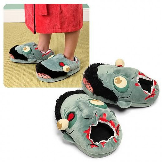 Zombie lovers - here are the slippers you've been waiting for.