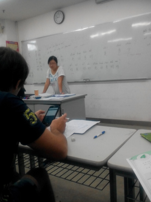 Learning Chinese at Shenzhen University with Teacher Mia