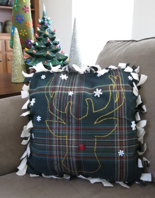 No-Sew Two-Sided Christmas Pillow