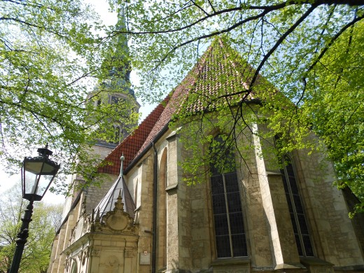 The Kreuzkirche Church | The Red Thread | Hannover, Germany