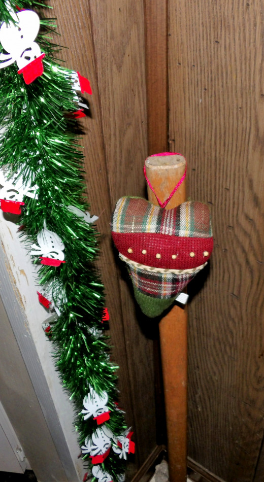 No, seriously, His Hammer, or the best I could do for one, is decorated for Yule as well.