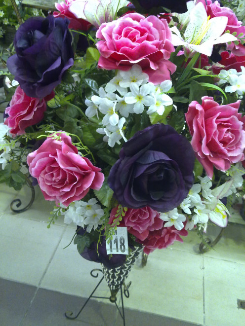 A bouquet of flowers, melts every lady's heart, brings smile to her face automatically, even if you are late!