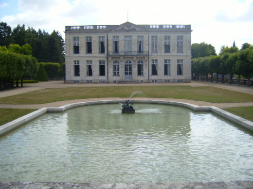 View of the Chateau de Bouges and its basin, 2008