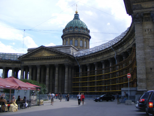 The Kazan Cathedral (during reconstruction in 2011)