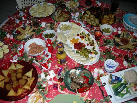 There are so many ideas for Christmas lunch or dinner and the secret is for it to be colourful