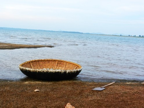 Coracle ready for sailors