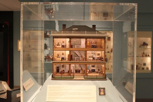 An exquisite and mini dollhouse in display