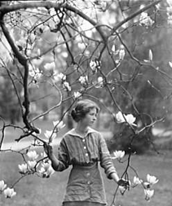 "Edna St. Vincent Millay's Sonnet I:  ""Thou art not lovelier than lilacs,—no"""