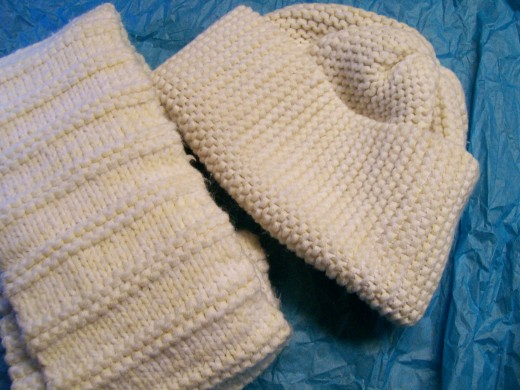 Another hat and a simple scarf in knit.